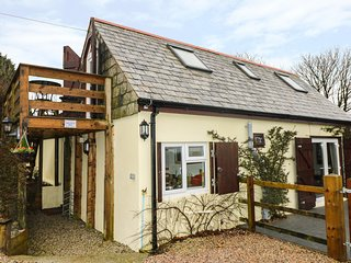 HIGHER KERNICK BARN converted stable, enclosed paddock and courtyard, stunning v