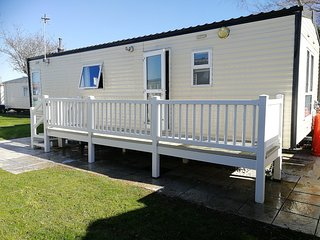 Sandy Shores - 6 Berth with Deck frontage
