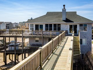 August Rush: 5 BR / 4 BA five bedroom house in Corolla, Sleeps 14
