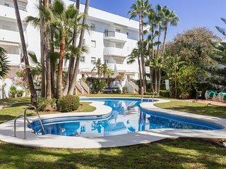 Bright 3 Bed, 2 Bath with pool, minutes walk to beach, restaurants & supermarket