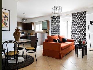 Athenian Stylish 2 bdr Apartment