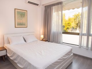 1 bdr Apt in Glyfada 3 minutes from the beach