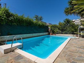 4 Bdrm Villa with Private Pool in Glyfada