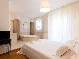 Ideal 3 bdr apartment in Glyfada