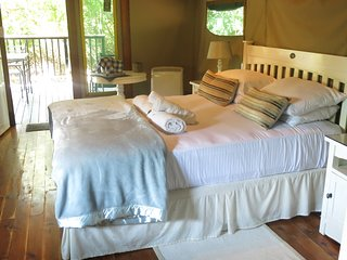 Baleia room, with aircon, sleeps 2