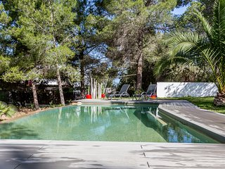 Catalunya Casas: Villa Natura tucked away in the Ibiza's forests, only 3km to th
