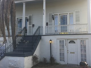 Huge 2200 sqft home, less than 10 mins to the French Quarter. Can Sleep 16+!