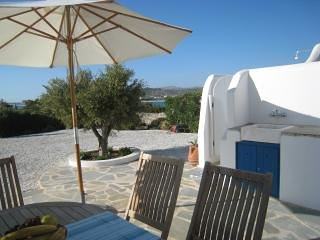 Typical cycladic villa, 60 meters from the sea