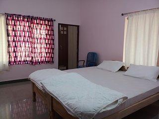 Airport Park Villa AC Room 2
