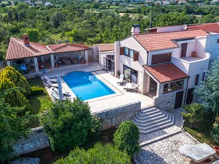 Villa Harmony, Rakalj,Istria with beautiful sea view, sauna and jacuzzi