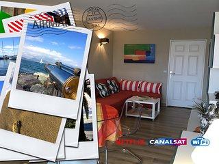FREJUS-PLAGE -  A deux pas de la plage, ravissant appartement avec WIFI gratuit.
