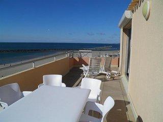 2 pieces avec terrasse de 25m2 vue mer et parking