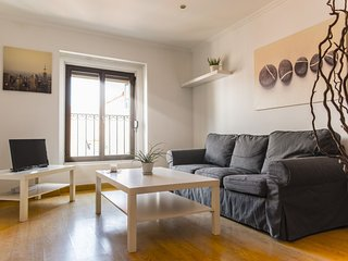 In the center of Madrid with Internet, Air conditioning, Lift (911679)
