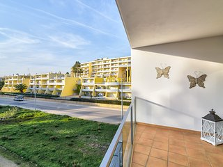 Sea La Vie, Beach & Golf Apartment near Meia Praia Beach