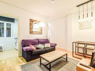 Apartment 1 km from the center of Madrid with Internet, Air conditioning, Lift (