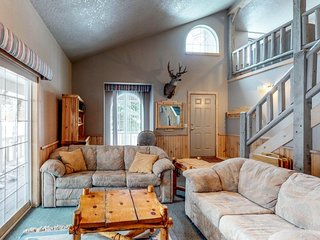 Spacious dog-friendly lodge w/ beach access, short drive to town & skiing!