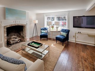 Lovely garden condo 3 blocks to Forsyth Park - walk the whole historic district!