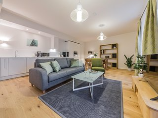 Spacious 2 Bedrooms Apartment in the Centre of Tallinn ( for 4 person)