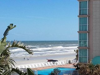 Convenient oceanfront studio with shared hot tub, pool, and easy beach access!