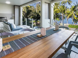 Island Views Seven | Luxury Beachfront Apartment