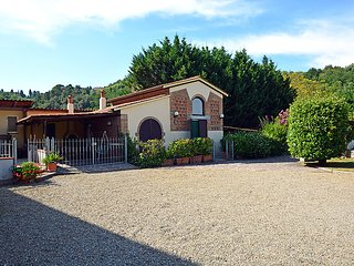 2 bedroom Villa in Palaia, Tuscany, Italy : ref 5035470