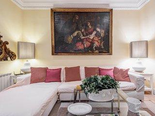 Augustus Luxury Apartment