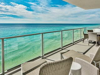 Brand New, Luxury Gulf Front Condo in Destin!