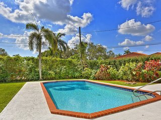 Beautiful Coral Gables Villa w Huge Pool & Garden
