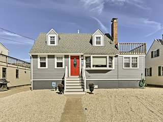 NEW! 4BR Long Beach House w/Deck - Walk to Beach!
