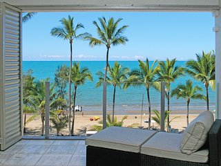 Island Views Thirteen | Luxury Beachfront Apartment