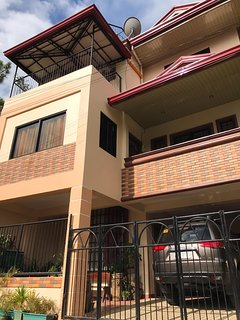 Baguio Transient House with WIFI and View Deck