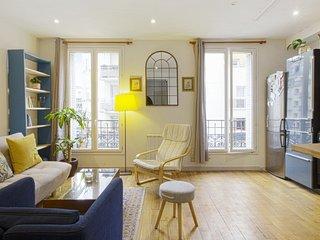Charming flat near Paris - W299