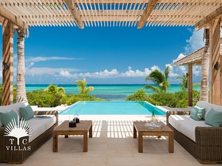 Castaway // Luxury 5BR Beachfront Villa // Snorkeling right in front!
