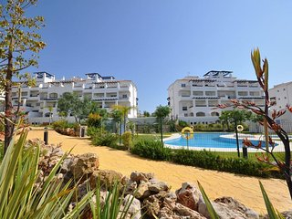 Lovely Apartment near to Duquesa Port