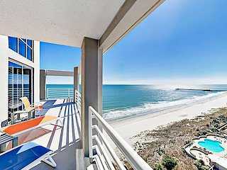 Stunning 3BR Oceanfront Penthouse w/ Wrap-Around Balcony