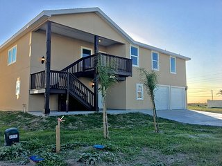 Brand-New 4BR w/ Boardwalk to Beach — Minutes to Downtown