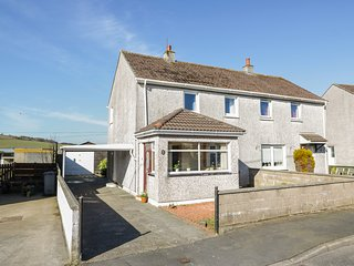 16 BRIDGE OF ALDOURAN, dog-friendly, countryside views, Stranraer 3 miles, Ref