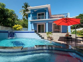 #VillaCandolim - Blue Villa with Swimming Pool, Waterfall, Jacuzzi & Pool Table
