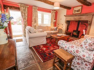 ROSE FARM, exposed beams, dog-friendly, in Lake District National Park, Ref