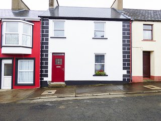 CHURCH STREET, sea views, WIFI, amenities walking distance, Ref 967825