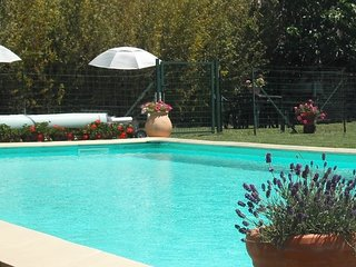 Gite 3, Holiday apartment, heated pool close to Carcassonne... perfect holidays