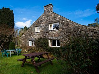 Delightful 5 Bedroom 19th Century Coach House on Snowdonia Private Estate