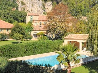 Moulin de la Roque Noves - La Tuzelle 2 Bedroom Apartment