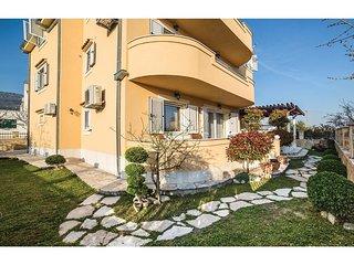 3 bedroom Apartment in Kaštel Kambelovac, Splitsko-Dalmatinska Županija, Croatia