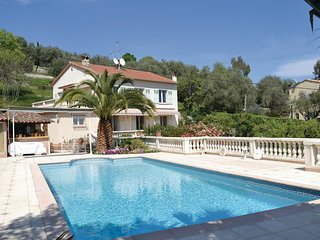 2 bedroom Apartment in Grasse, Provence-Alpes-Côte d'Azur, France : ref 5538986