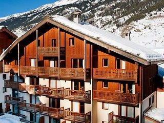 2 bedroom Apartment in Lanslebourg-Mont-Cenis, Auvergne-Rhône-Alpes, France : re