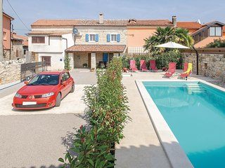 2 bedroom Villa in Rovinjsko Selo, Istria, Croatia : ref 5564759
