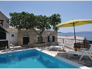1 bedroom Villa in Kutlesa, Splitsko-Dalmatinska Zupanija, Croatia : ref 5563473