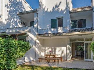 3 bedroom Villa in Lignano Pineta, Friuli Venezia Giulia, Italy : ref 5547878