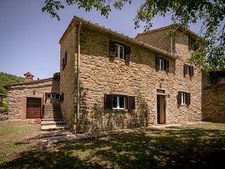 3 bedroom Villa in Pieve Santo Stefano, Tuscany, Italy : ref 5582910